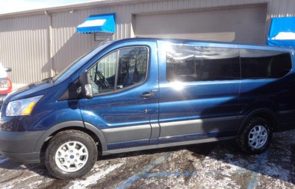 Showcase cover image for 8 Passenger Transit Wagon XLT
